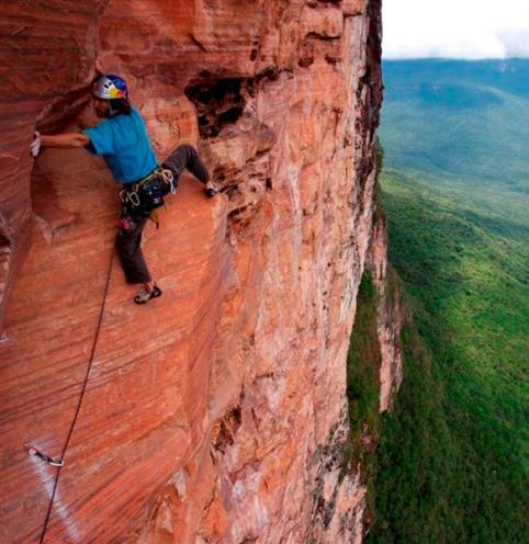 german_climber_stefan_glowacz_makes_the_first_atte_9607734854